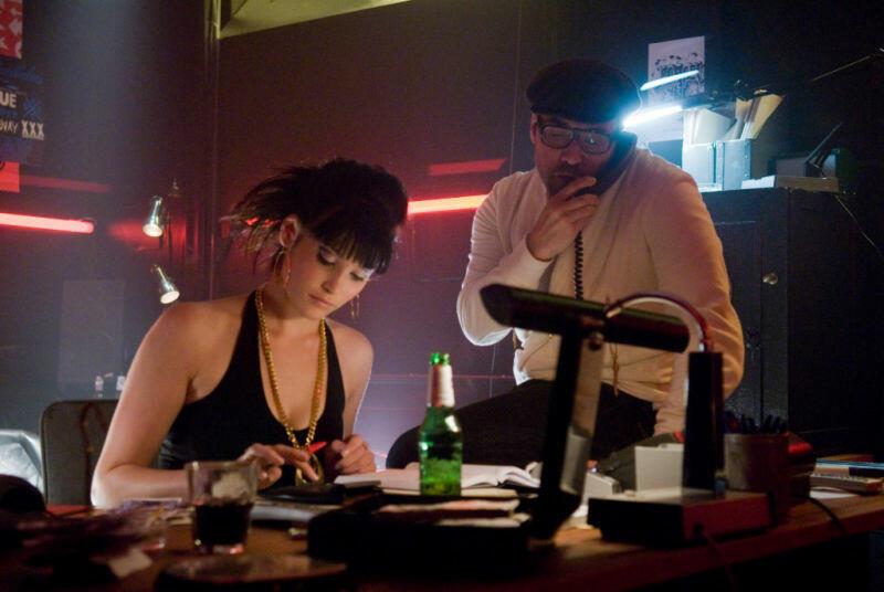 RocknRolla mit Gemma Arterton und Jeremy Piven