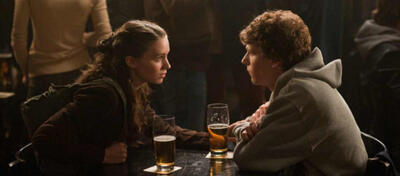 Rooney Mara und Jesse Eisenberg in The Social Network