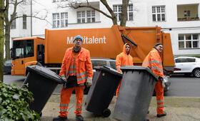Die Drei von der Müllabfuhr - Dörte muss weg mit Uwe Ochsenknecht, Daniel Rodic, Jörn Hentschel und Rainer Strecker - Bild 3