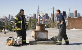 Chuck und Larry - Wie Feuer und Flamme mit Kevin James und Adam Sandler - Bild 4