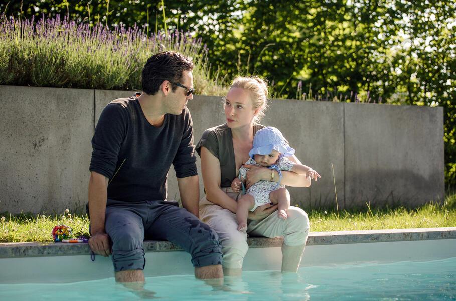 Polizeiruf 110: Das Beste für mein Kind  mit Tobias Oertel und Katharina Heyer
