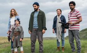 In der Ferne zu Hause mit Jacob Tremblay, Suraj Sharma, Virginia Madsen und Ramon Rodriguez - Bild 17