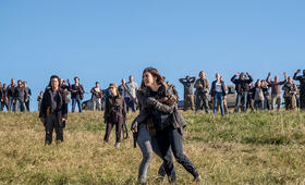 The Walking Dead - Staffel 8, The Walking Dead - Staffel 8 Episode 16 mit Lauren Cohan, Danai Gurira, Christian Serratos und Josh McDermitt - Bild 1