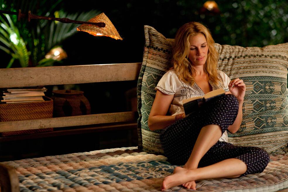 Elizabeth Gilbert (JULIA ROBERTS) braucht dringend etwas Abstand und mehr Zeit für sich.