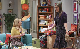 The Big Bang Theory Staffel 9 mit Melissa Rauch und Mayim Bialik - Bild 7