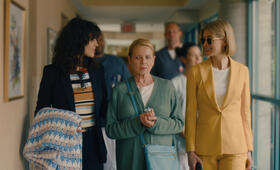 I Care A Lot mit Rosamund Pike, Eiza González und Dianne Wiest - Bild 1