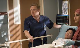Grey's Anatomy - Die jungen Ärzte - Staffel 14, Grey's Anatomy - Die jungen Ärzte - Staffel 14 Episode 13 mit Kevin McKidd - Bild 30