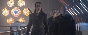 Picard und einige seiner neuen Crew-Mitglieder