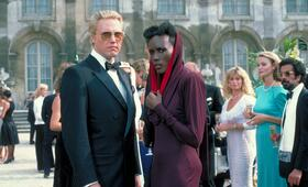 James Bond 007 - Im Angesicht des Todes mit Christopher Walken und Grace Jones - Bild 1