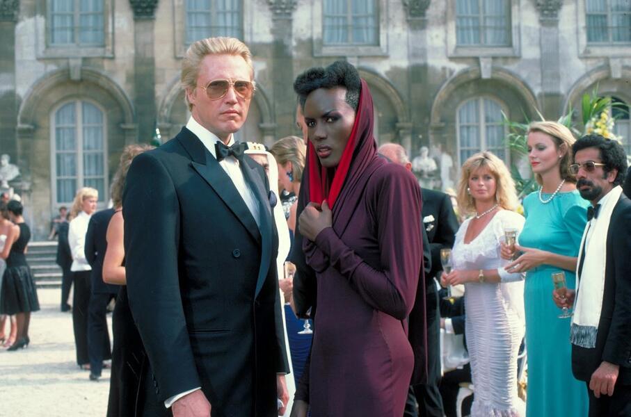 James Bond 007 - Im Angesicht des Todes mit Christopher Walken und Grace Jones
