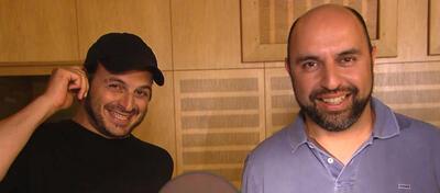 Kaya und Serdar im Tonstudio