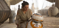 Bild zu:  Daisy Ridley in Star Wars Episode VII