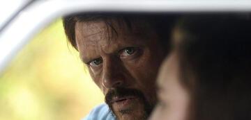 Malcolm Kennard als Ivan Milat, in Catching Milat