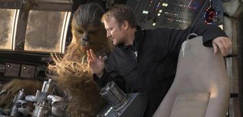 Bild zu:  Rian Johnson am Set von Star Wars: Episode VIII - Die letzten Jedi