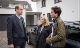 Tatort: Im toten Winkel mit Peter Heinrich Brix, Oliver Mommsen und Sabine Postel - Bild 14