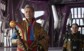 Thor 3: Tag der Entscheidung mit Jeff Goldblum und Rachel House - Bild 9