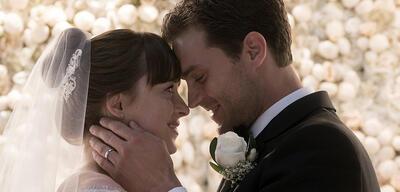 Dakota Johnson und Jamie Dornan in Fifty Shades Of Grey 3 - Befreite Lust