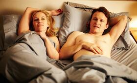 Der kleine Tod. Eine Komödie über Sex. mit Bojana Novakovic und Damon Herriman - Bild 3