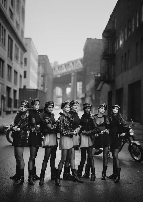 Peter Lindbergh - Women's Stories mit Cindy Crawford, Stephanie Seymour, Claudia Schiffer, Naomi Campbell, Tatjana Patitz, Linda Evangelista und Helena Christensen