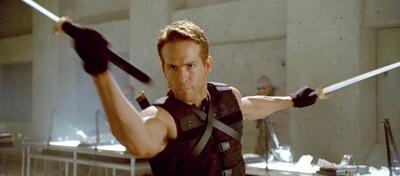 Ryan Reynolds durfte schon in  X-Men Origins: Wolverine Katanas schwingen. Wird er sich nun im Schwertkampf erproben?