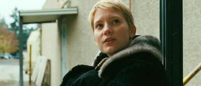 Mia Wasikowska in Gus van Sant's Restless