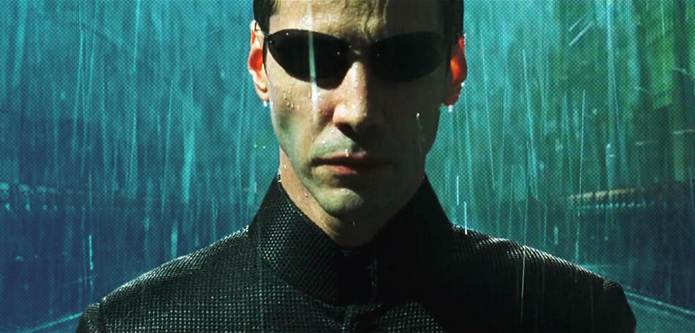 Matrix 4-Video mit echtem Matrix-Feeling: Keanu Reeves allein im Regen