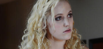 Maika Monroe in The Guest
