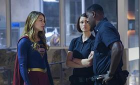 Supergirl, Staffel 1 mit Melissa Benoist und Chyler Leigh - Bild 7