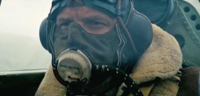 Tom Hardy mit kaum Gesicht in Dunkirk