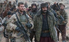 Operation: 12 Strong mit Chris Hemsworth und Navid Negahban - Bild 69