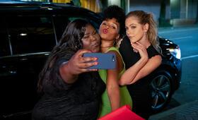 Antebellum mit Gabourey Sidibe, Janelle Monáe und Lily Cowles - Bild 1