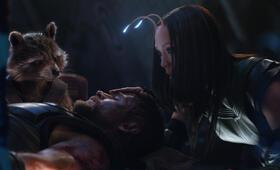 Avengers 3: Infinity War mit Bradley Cooper, Chris Hemsworth und Pom Klementieff - Bild 3