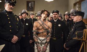 Adrien Brody in Houdini - Bild 104