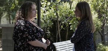 Unbelievable: Karen (Merritt Wever) und Amber (Danielle Macdonald)