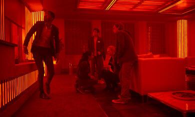 Escape Room mit Deborah Ann Woll, Logan Miller, Taylor Russell, Jay Ellis und Nik Dodani - Bild 3