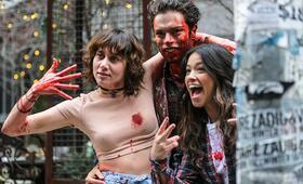 Someone Great mit Gina Rodriguez und David Granados - Bild 1
