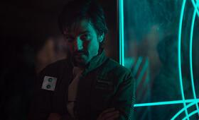 Rogue One: A Star Wars Story mit Diego Luna - Bild 96