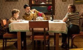 Jojo Rabbit mit Scarlett Johansson, Taika Waititi und Roman Griffin Davis - Bild 4