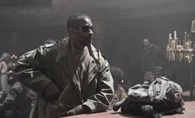 The Book of Eli mit Denzel Washington - Bild 105