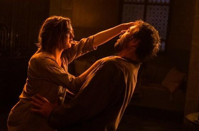 Game of Thrones - Staffel 5 mit Maisie Williams und Ian Beattie