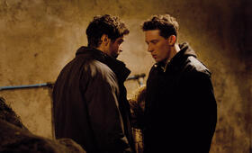 God's Own Country mit Alec Secareanu und Josh O'Connor - Bild 12