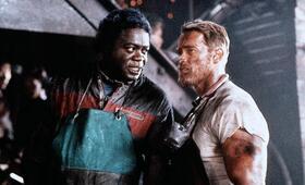 Running Man mit Arnold Schwarzenegger und Yaphet Kotto - Bild 215