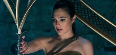 Wonder Woman ist jetzt schon in verschiedenen Clips zu sehen