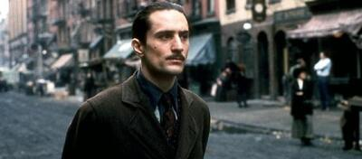 Robert De Niro als Pate Don Vito Corleone