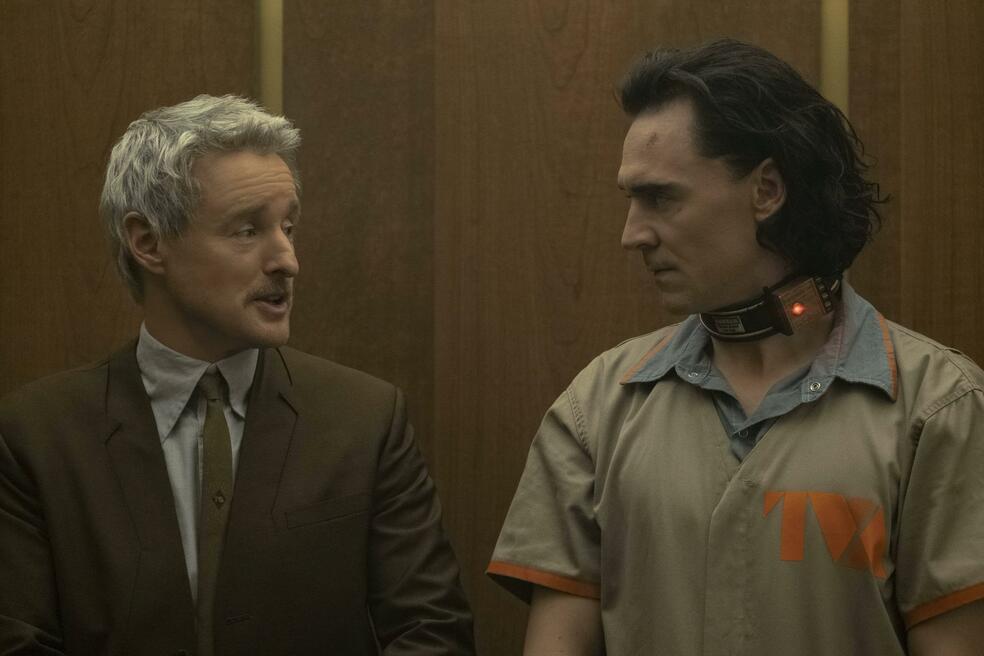 Loki, Loki - Staffel 1, Loki - Staffel 1 Episode 1 mit Tom Hiddleston und Owen Wilson