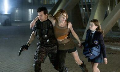 Resident Evil: Apocalypse mit Milla Jovovich, Oded Fehr und Sophie Vavasseur - Bild 6