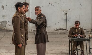 Catch-22, Catch-22 - Staffel 1 mit George Clooney und Christopher Abbott - Bild 5