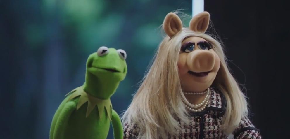 Kermit und Miss Piggy in The Muppets