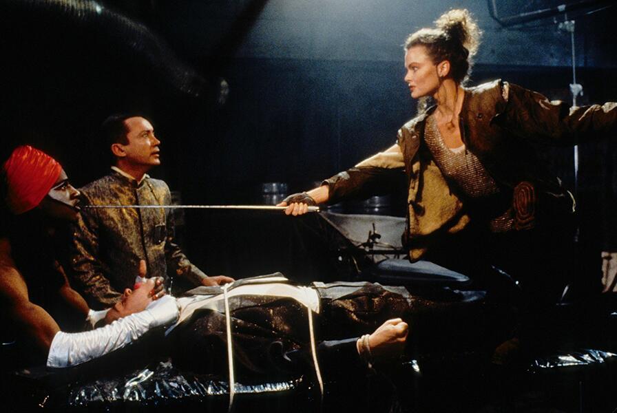 Vernetzt - Johnny Mnemonic mit Dina Meyer