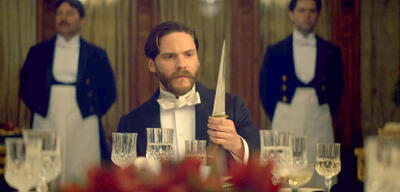 Daniel Brühl in The Alienist